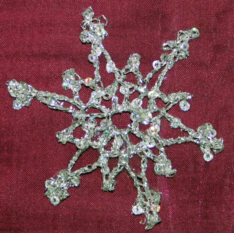2-row-crochet-snowflake-glitter-thread