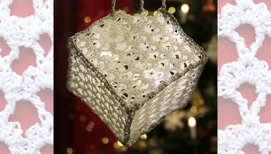Crochet cube decoration with lights