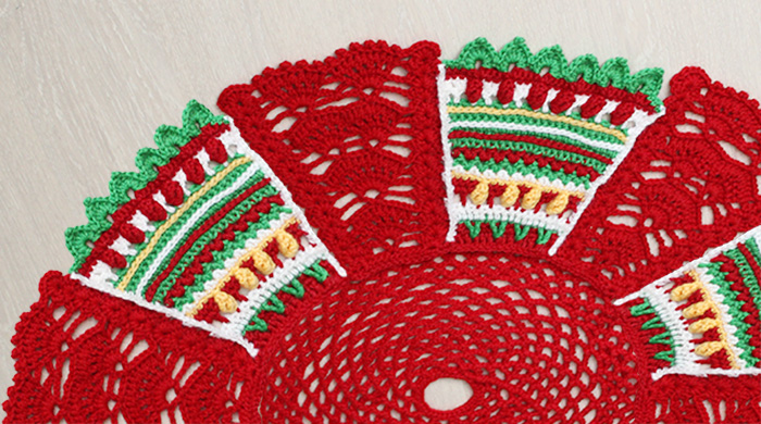 crochet-christmas-treeskirt-tutorial-featured